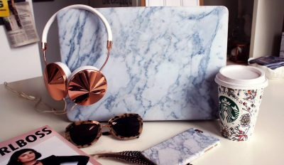 Dropshipping products in marble design